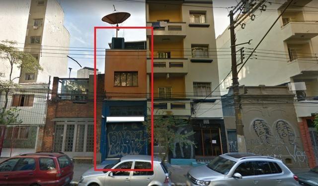 Prédio Comercial, 500 m², 4 vagas. Localizado entre metrô São Soaqui e Vergueiro