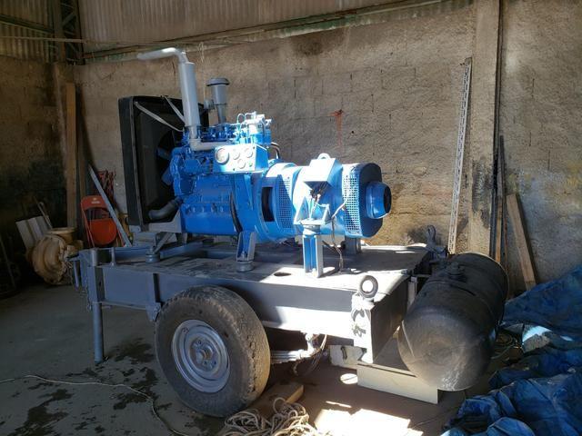 Gerador de 40 KVA com motor Perkins diesel 4 cilindros - Foto 3