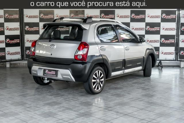 Toyota Etios Cross 1.5 Automático ( 16.000 km Com Kit Gas ) - Foto 9