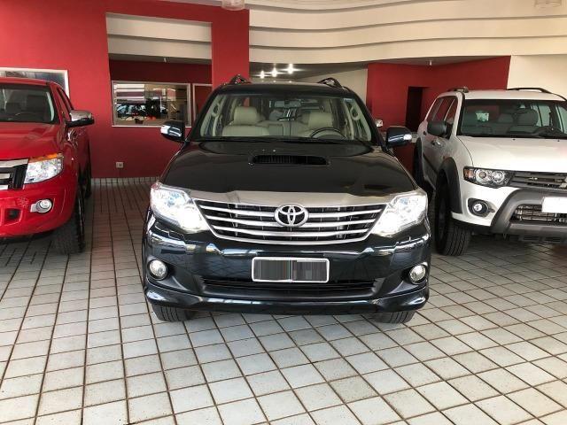Toyota Hilux SW4 SRV_3.0D4-D_AUT._4X4_7LgareS_ExtrANoA_LacradAOriginaL_RevisadA_ - Foto 16