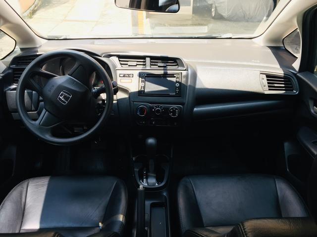 Honda Fit automático com couro e multimedia, ún.dona com 60 mil km!!!! - Foto 9