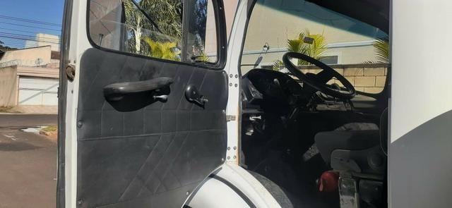 Vendo\troco mercedes benz 1519 guincho lança pesado, extra pesado. excelente estado - Foto 8