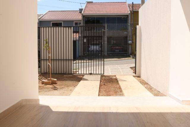 Casa com 2 dormitórios, porém com opção para 3 dorms, averbada e nova no Santa Candida - Foto 7