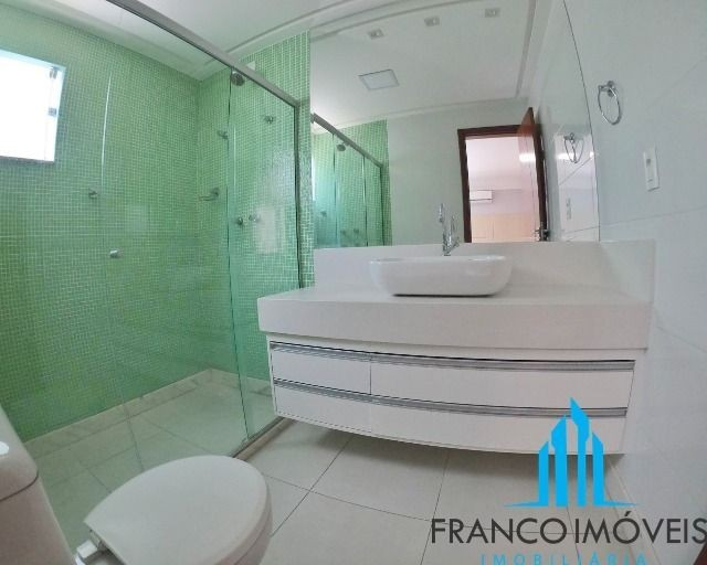 Espetacular casa Duplex com 06 Qts e lazer completo na Praia do Morro - Foto 11