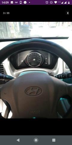 Hyundai Tucson 2.0 GL automática com kit gas - Foto 3