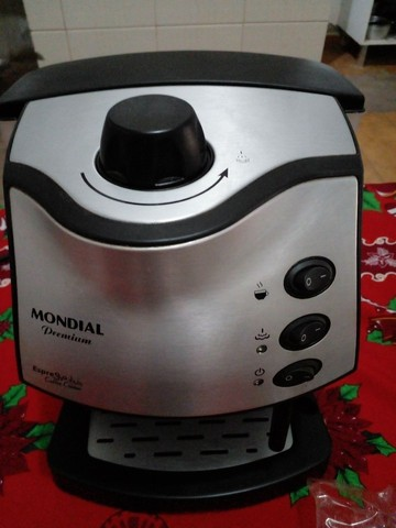 Cafeteira Mondial Premium