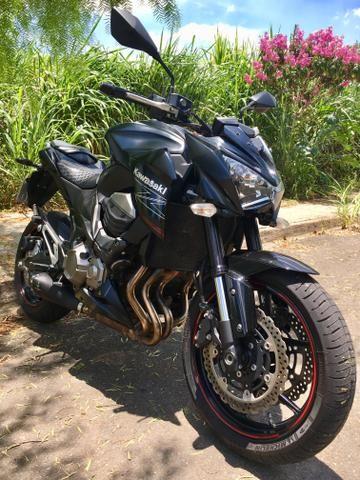 4e9bb23a0f1fa Kawasaki Z800 2013 + Acessórios