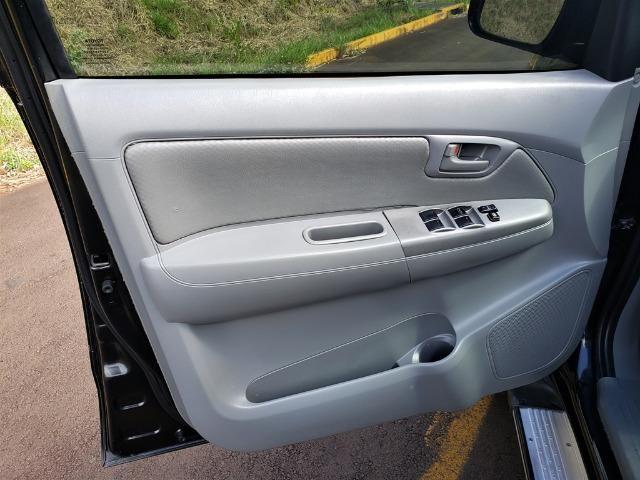 Toyota Hilux SRV 3.0D4-D - Foto 12