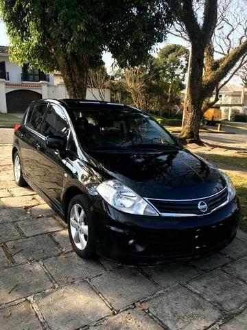 Nissan Tiida 1.8 SL Automático