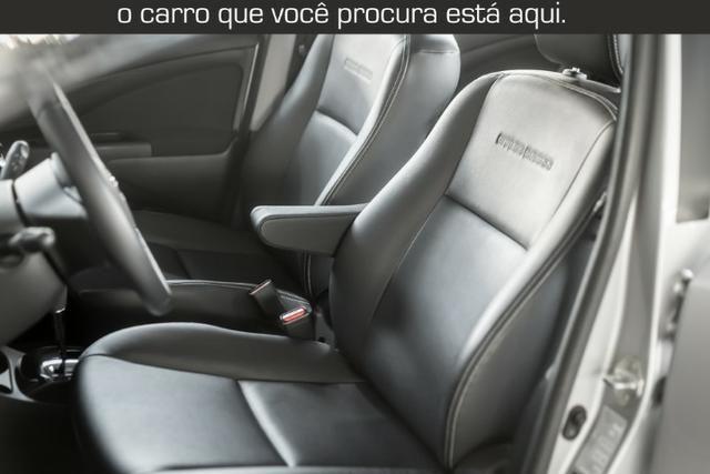 Toyota Etios Cross 1.5 Automático ( 16.000 km Com Kit Gas ) - Foto 2