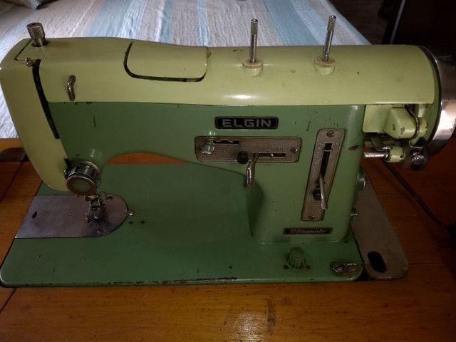 Vendo máquina de costura antiga - Foto 2