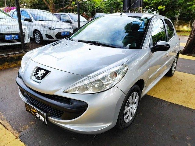 Peugeot 207 XR 1.4 2009 - Foto 2