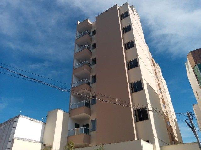 Apê de 2/4 por R$ 280.000 suíte grande área externa em Vivendas da Serra - Foto 3