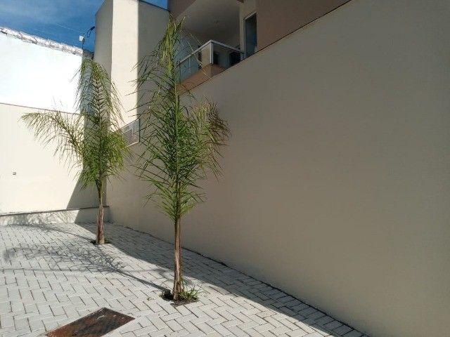 Apê de 2/4 por R$ 280.000 suíte grande área externa em Vivendas da Serra - Foto 2