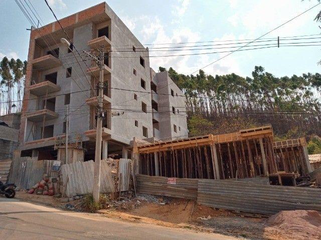 Lindo com 3/4 por R$ 295.000 suíte varandas e elevador em Recanto da Mata - Foto 7