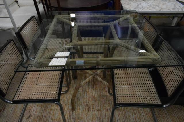 Mesa de bambu com tampo de vidro -Parc 6x - Mercado das Pulgas