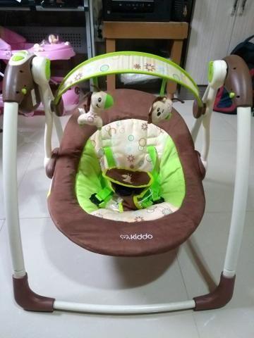 Cadeira elétrica Kiddo semi nova