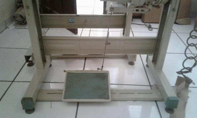 Maquina de costura de Fazer Adidas