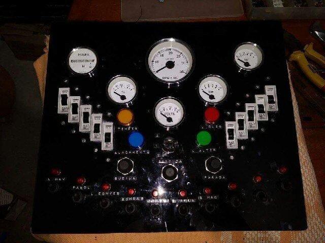 Eletricista naval