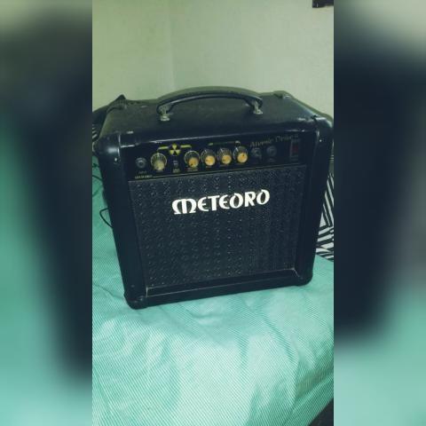 Cubo de guitarra meteoro atomic drive