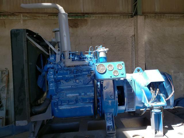 Gerador de 40 KVA com motor Perkins diesel 4 cilindros - Foto 2