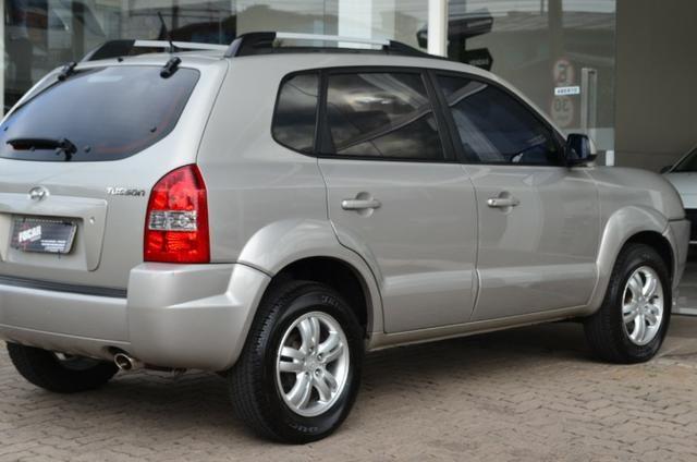 Hyundai Tucson 2.0 gl gasolina automática * completa * pneus novos - Foto 7