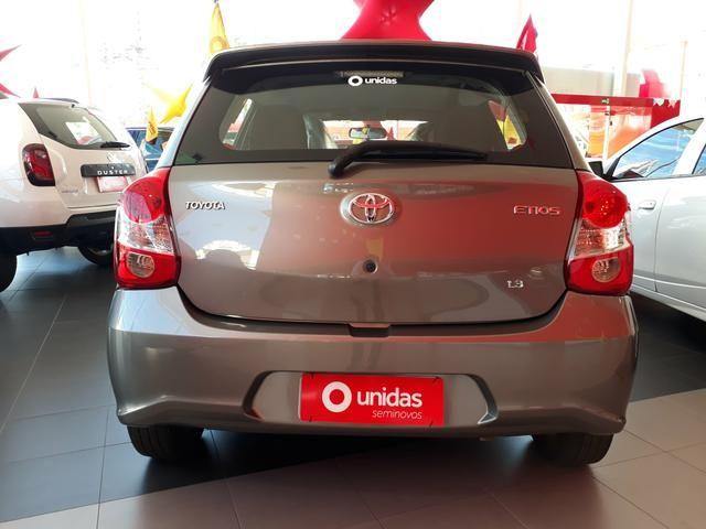 Toyota etios x 1.3 - Foto 4