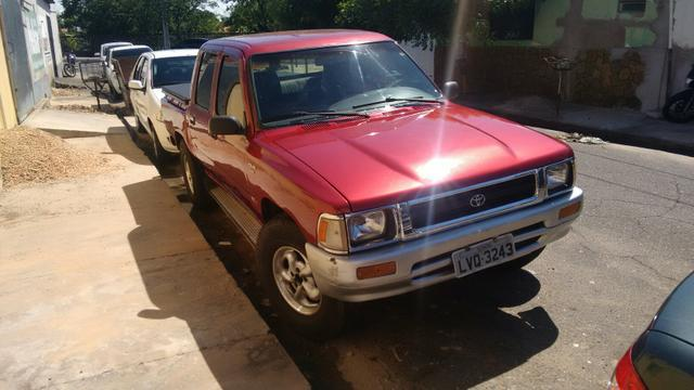 Hilux stand 4x2 99