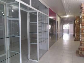 Aluga-se !!! Sala Comercial em Gramado 300 Mtrs2 **(Ótima Localização)** Estuda proposta ! - Foto 8