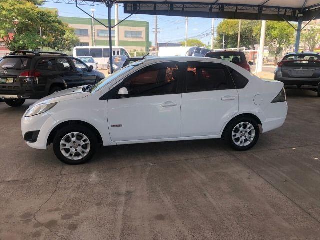 Fiesta Sedam 1.6 Completo + GNV V geração ótimo estado geral entrada R$ 3990,00 + 48 X - Foto 10