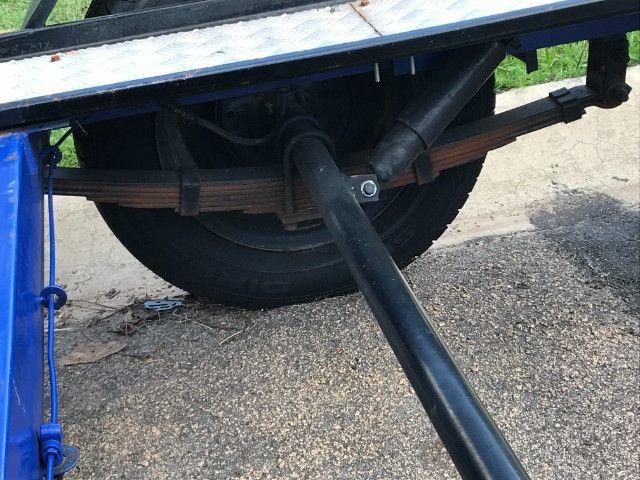 Carretinha reboque para veiculos Capacidade 1300 kg articulável, pneus novos - Foto 13