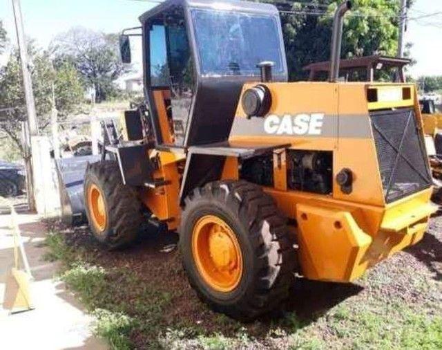 Retroescavadeira Case W20E 2012 - Foto 4
