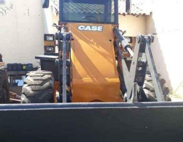 Retroescavadeira Case W20E 2012 - Foto 3