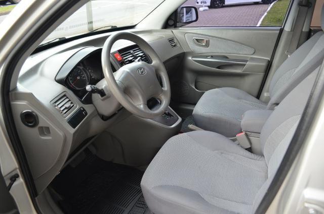 Hyundai Tucson 2.0 gl gasolina automática * completa * pneus novos - Foto 12