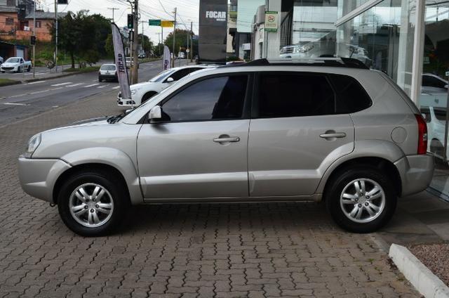 Hyundai Tucson 2.0 gl gasolina automática * completa * pneus novos - Foto 4