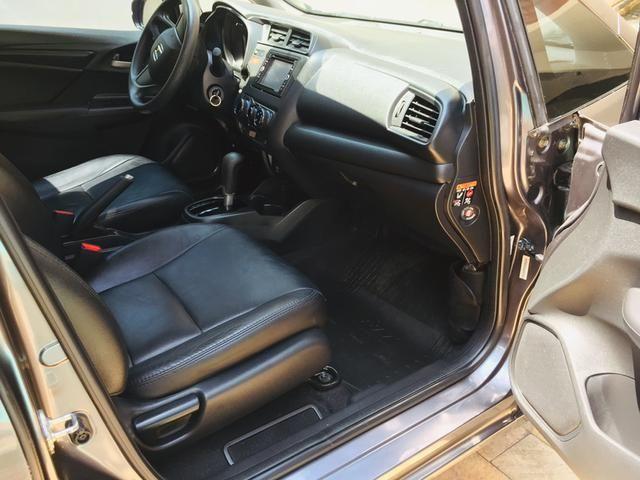 Honda Fit automático com couro e multimedia, ún.dona com 60 mil km!!!! - Foto 11
