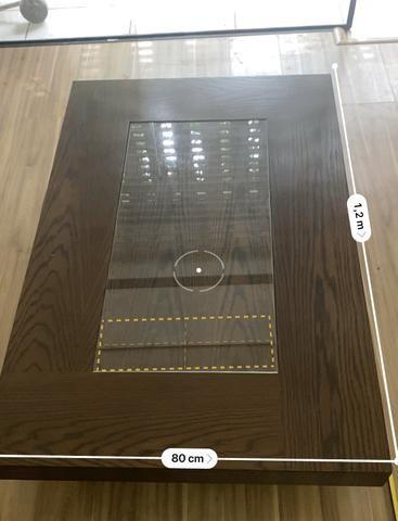 Mesa de centro cor tabaco com vidro