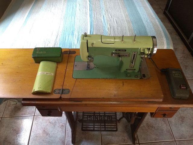 Vendo máquina de costura antiga