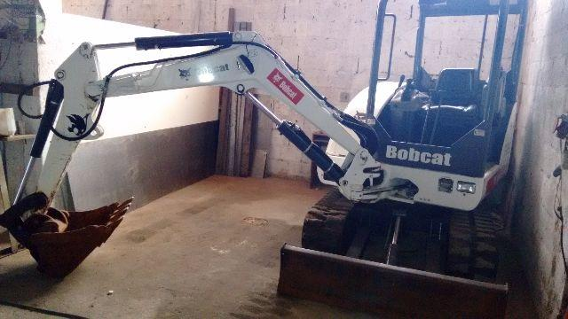 BOBCAT MINI ESCAVADEIRA