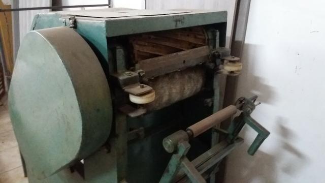 Máquinas industriais e ferragens