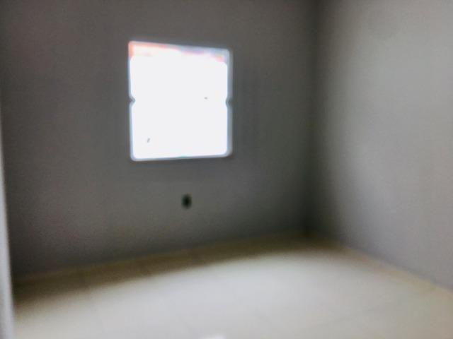 Documentação Inclusa: 2 quartos, 2 wcs, garagem, sala, coz americana, quintal, área serviç - Foto 11