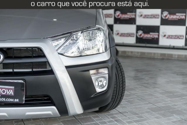 Toyota Etios Cross 1.5 Automático ( 16.000 km Com Kit Gas ) - Foto 6