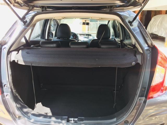 Honda Fit automático com couro e multimedia, ún.dona com 60 mil km!!!! - Foto 13