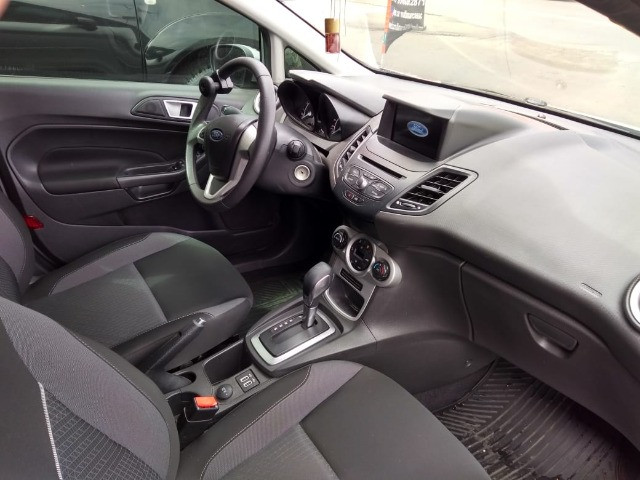 New Fiesta sel / ford / 1.6 / flex / 04 portas / automático / 2018 / 49.000 km - Foto 14