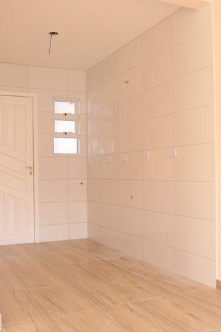 Casa com 2 dormitórios, porém com opção para 3 dorms, averbada e nova no Santa Candida - Foto 11