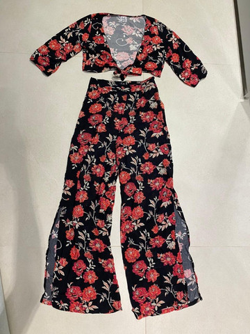 Conjunto Cropped E Pantalona Cintura Alta Florido Bazis - Foto 2