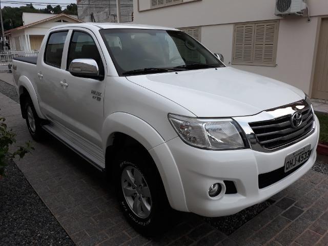Toyota Hilux SRV Automatica 4x4 Muito Nova. Único Dono