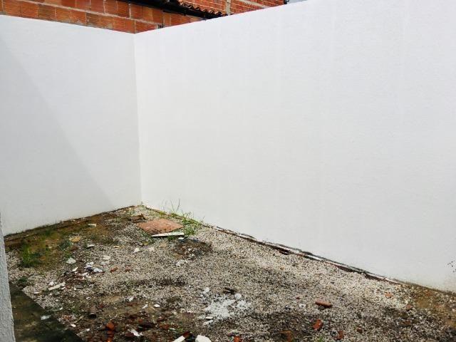 Documentação Inclusa: 2 quartos, 2 wcs, garagem, sala, coz americana, quintal, área serviç - Foto 17