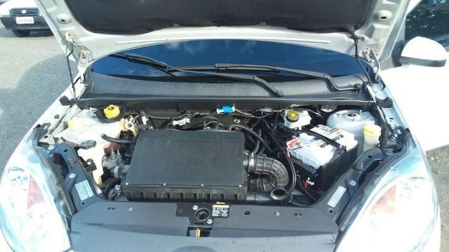 Ford Fiesta 1.6 Flex - Foto 14