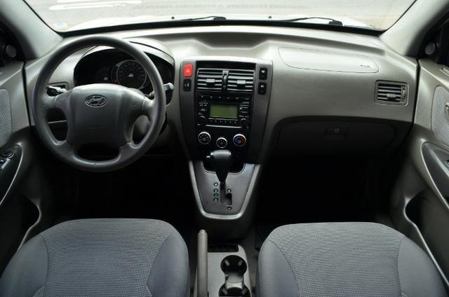 Hyundai Tucson 2.0 gl gasolina automática * completa * pneus novos - Foto 3
